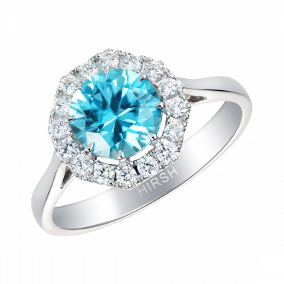 Regal Ring Set With a Zircon and Diamonds